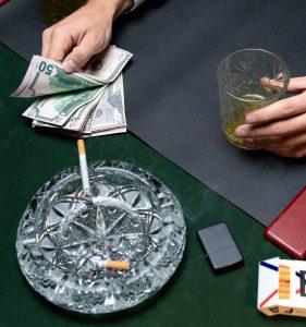 rūkymas ar investavimas